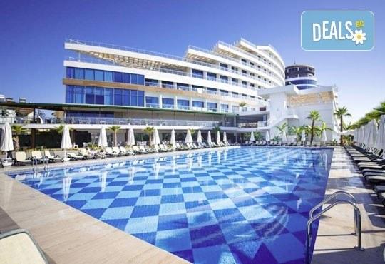 Почивка със самолет в Анталия от 7 до 14 май! 7 нощувки, Ultra All Inclusive в хотел Raymar 5*, двупосочен билет, летищни такси и трансфери - Снимка 1