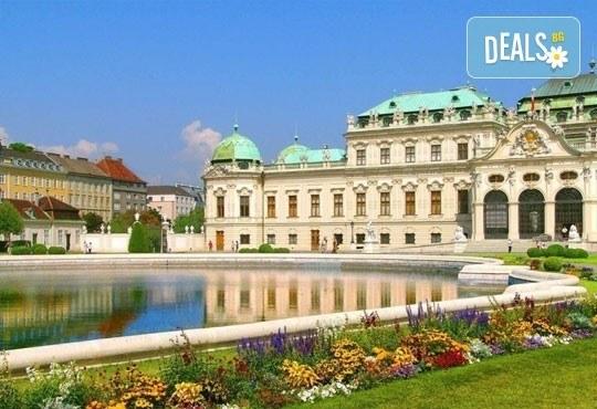 Великденска екскурзия до Будапеща и Виена с Караджъ Турс! 3 нощувки със закуски в хотели 2/3*, транспорт и водач! - Снимка 1