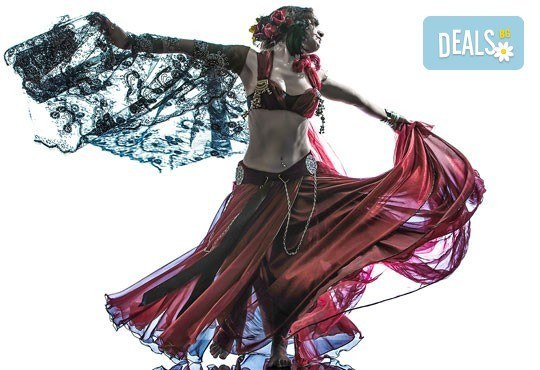 Направи своите първи стъпки в ориенталските танци! Карта за 4 посещения по ориенталски танци в зала Dance It! - Снимка 2