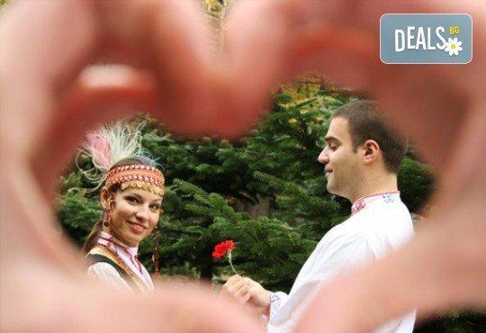 Запознайте се с автентичния български фолклор! 5 посещения за народни танци, зала по избор, клуб за народни танци Хороводец - Снимка 3