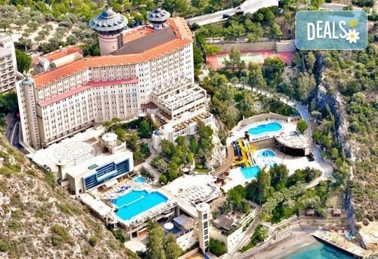 Майски празници в Кушадасъ! 4 нощувки на база All Inclusive в Alkoclar Adakule Hotel 5*, възможност за транспорт, от Вени Травел! - Снимка 1