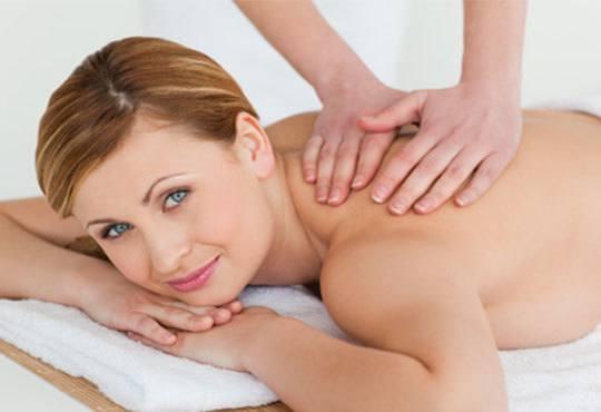 Възстановителна мануална терапия на гръб, врат, рамене и раменен пояс или масаж и лимфодренаж на лице и терапия за коса в Женско царство! - Снимка 2