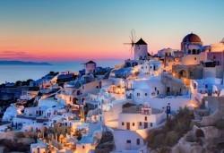 През май на о. Санторини, Гърция: 5 нощувки със закуски, транспорт и водач