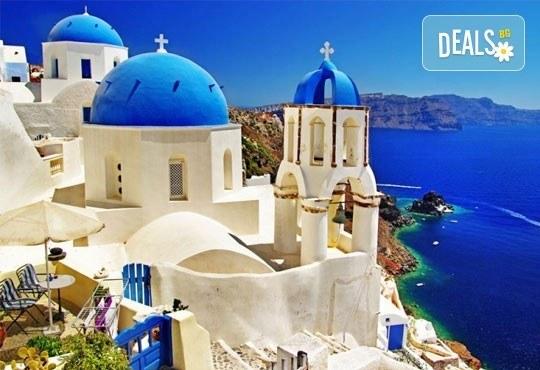 Почивка през май на най-романтичния остров - Санторини, Гърция! 5 нощувки със закуски на Санторини, 1 нощувка със закуска в Атина, транспорт! - Снимка 3