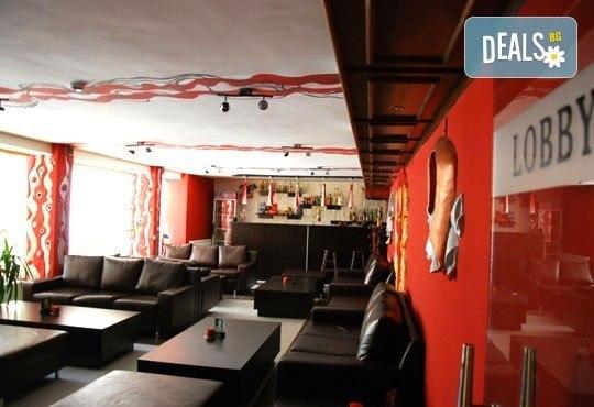 Великден в хотел Тофана 2* в Банско! 3 нощувки със закуски, вечери и празничен Великденски обяд, от Евридика Холидейз! - Снимка 8