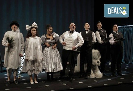 Приказка за малки и големи! Гледайте мюзикъла Питър Пан в Театър София на 02.04. от 11.00 ч., билет за двама! - Снимка 6