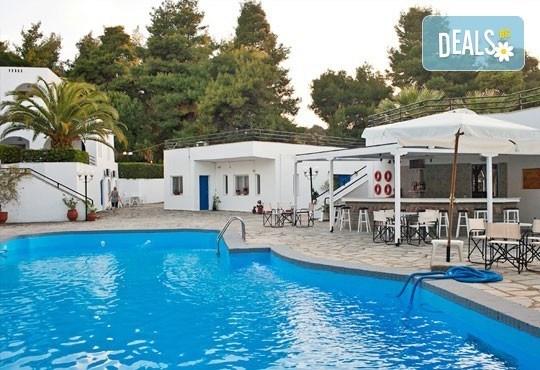 Почивка през май или юни на Халкидики, Гърция! 5 нощувки със закуски и вечери в Theo Bungalows 3*, Kриопиги, от ТА Ревери! - Снимка 8