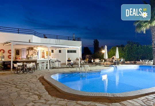 Почивка през май или юни на Халкидики, Гърция! 5 нощувки със закуски и вечери в Theo Bungalows 3*, Kриопиги, от ТА Ревери! - Снимка 10