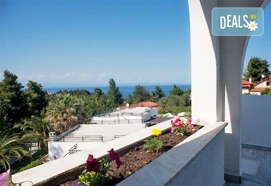 Почивка през май или юни на Халкидики, Гърция! 5 нощувки със закуски и вечери в Theo Bungalows 3*, Kриопиги, от ТА Ревери! - Снимка 6