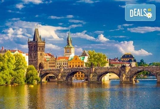 Майски празници в златна Прага, Чехия! 3 нощувки в хотел 3* със закуски и транспорт от Караджъ Турс! - Снимка 2