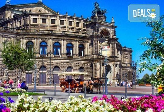 Майски празници в златна Прага, Чехия! 3 нощувки в хотел 3* със закуски и транспорт от Караджъ Турс! - Снимка 8