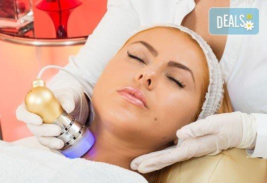 Освежете и стегнете кожата си с безиглена мезотерапия на лице или деколте от Салон Incanto Dream в Студентски град! - Снимка 2