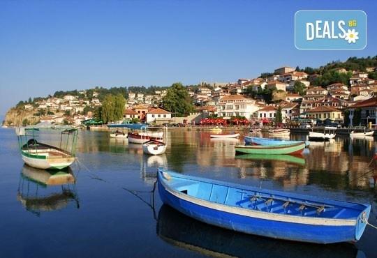 Морска почивка в непознатата Албания! 5 нощувки, закуски и вечери в хотел Malvina 3*, програма в Дуръс, Скопие и Охрид, транспорт! - Снимка 1