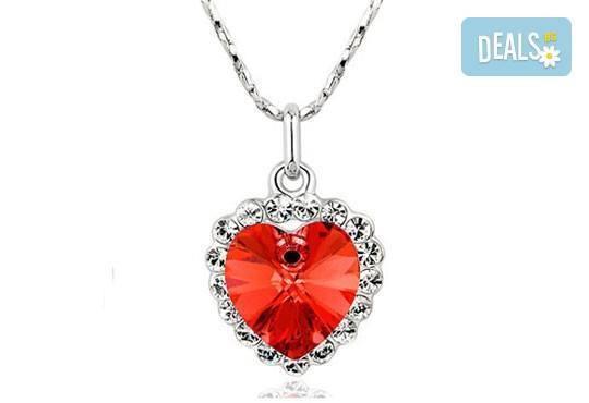 Открийте подходящия подарък за нея! Стилно и изискано колие във форма на сърце от Present For You! - Снимка 2