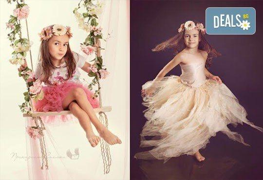 Детска и семейна студийна фотосесия с уникални декори, за деца от 10 месеца до 12 г., от Приказните снимки! - Снимка 1