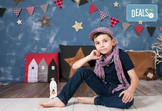 Детска и семейна студийна фотосесия с уникални декори, за деца от 10 месеца до 12 г., от Приказните снимки! - Снимка 5