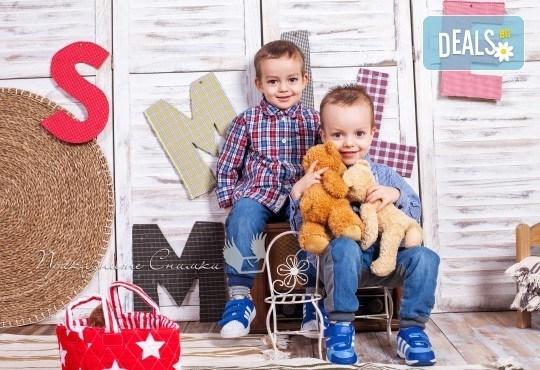 Детска и семейна студийна фотосесия с уникални декори, за деца от 10 месеца до 12 г., от Приказните снимки! - Снимка 19