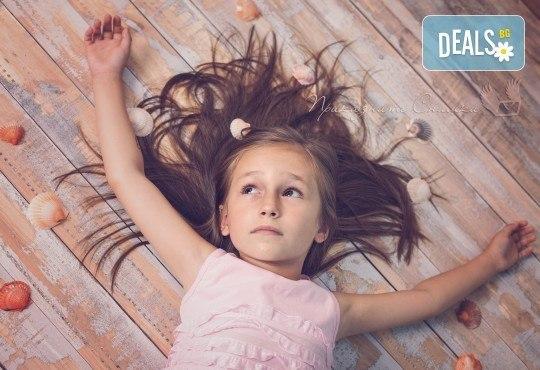 Детска и семейна студийна фотосесия с уникални декори, за деца от 10 месеца до 12 г., от Приказните снимки! - Снимка 2