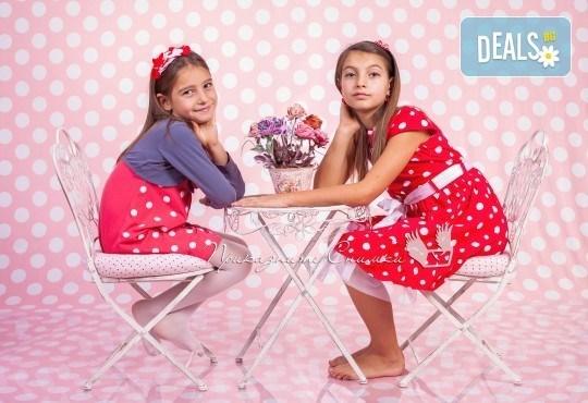 Детска и семейна студийна фотосесия с уникални декори, за деца от 10 месеца до 12 г., от Приказните снимки! - Снимка 20