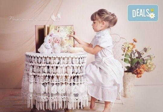 Детска и семейна студийна фотосесия с уникални декори, за деца от 10 месеца до 12 г., от Приказните снимки! - Снимка 21