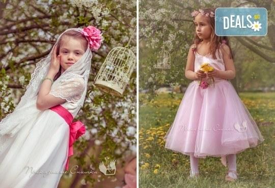 Пролетна детска фотосесия на открито с 20 обработени кадъра от Приказните снимки! - Снимка 4