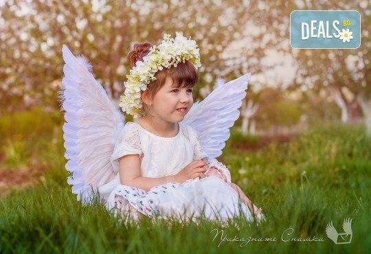 Пролетна детска фотосесия на открито с 20 обработени кадъра от Приказните снимки! - Снимка 10