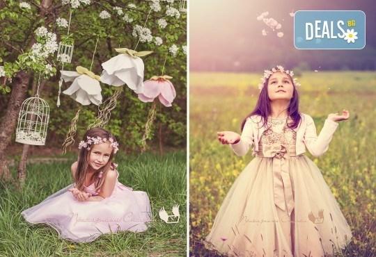 Пролетна детска фотосесия на открито с 20 обработени кадъра от Приказните снимки! - Снимка 1
