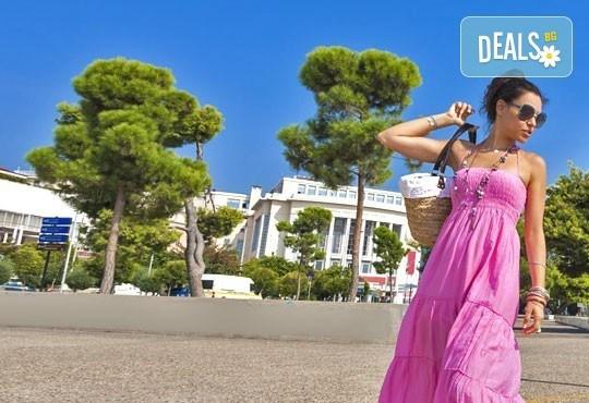 На разходка и шопинг в Солун за 1 ден! Транспорт, екскурзовод и панорамна обиколка, от Дениз Травел! - Снимка 5