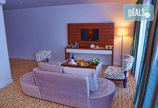 Почивка в Кушадасъ! 4 или 5 нощувки на база Аll Inclusive в Palm Wings Beach Resort Kusadasi 5* с Ориент 99! - Снимка 3