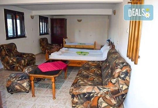 Почивка през април в Троянския балкан! 2 или 3 нощувки в уютни къщички, хотел Света гора, с. Орешак! - Снимка 8