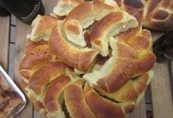 Солени мини кифли със сирене, кашкавал или кашкавал и шунка - 1 или 2 килограма от Работилница за вкусотии Рави! - Снимка