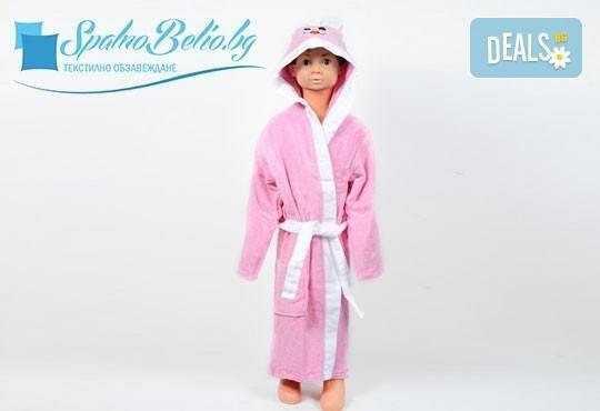 Подарете на Вашето дете нежно докосване и страхотна външност със забавен детски халат, 100% памук от SPALNOBELIO.BG! - Снимка 1