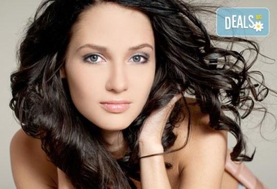 Нежна грижа за косата! Хидратираща, кератинова или арганова терапия за коса и прическа със сешоар по избор от ADI'S Beauty & SPA! - Снимка 1