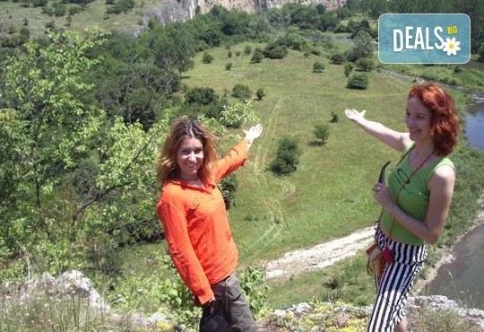 АХ емоционален и нискоекстремен ден в каньона на река Вит: посещение на природни забележителности от Ax! Sport - Снимка 3