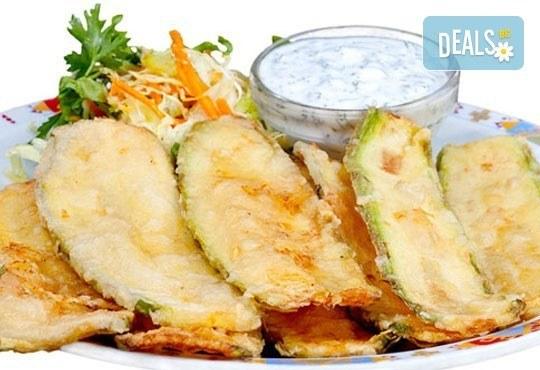 Комбинирайте сами своето меню с основно ястие и напитка по избор - пилешки хапки, топени сиренца, тиквички и още от Refresh Bar and Dinner! - Снимка 5