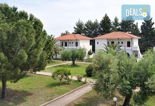 Лятна почивка в Гърция на супер цени в Sithonia Village Hotel 3*! 3/4/5 нощувки със закуски и вечери от Океания Турс! - Снимка 2