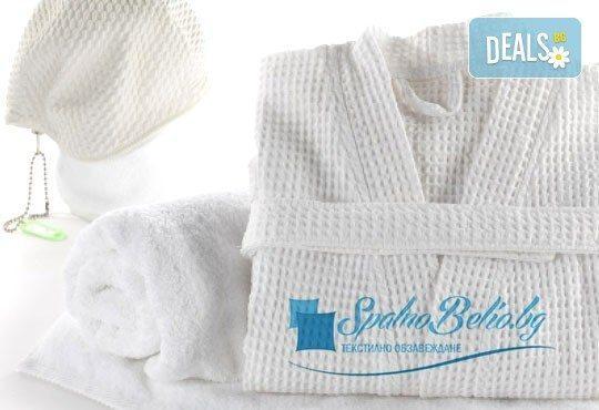 Нежен допир след баня! Удобен и мек памучен халат с шал яка, бял цвят, размер M-L от SPALNOBELIO.BG! - Снимка 1