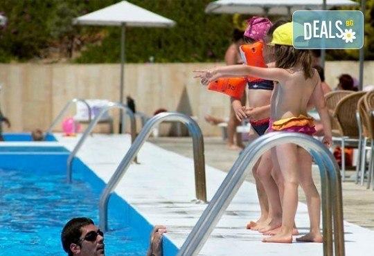 Слънце, узо и море с лятна почивка в Akrathos Beach Hotel 3*+ Халкидики, Гърция! 3/4/5/ нощувки на база All inclusive! - Снимка 13