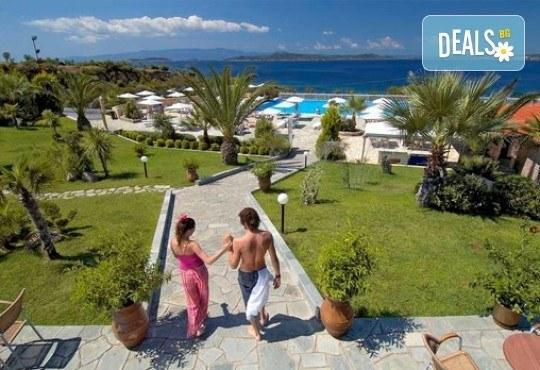 Слънце, узо и море с лятна почивка в Akrathos Beach Hotel 3*+ Халкидики, Гърция! 3/4/5/ нощувки на база All inclusive! - Снимка 14