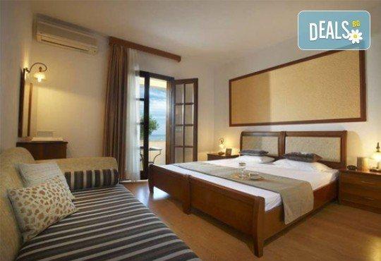 Слънце, узо и море с лятна почивка в Akrathos Beach Hotel 3*+ Халкидики, Гърция! 3/4/5/ нощувки на база All inclusive! - Снимка 5