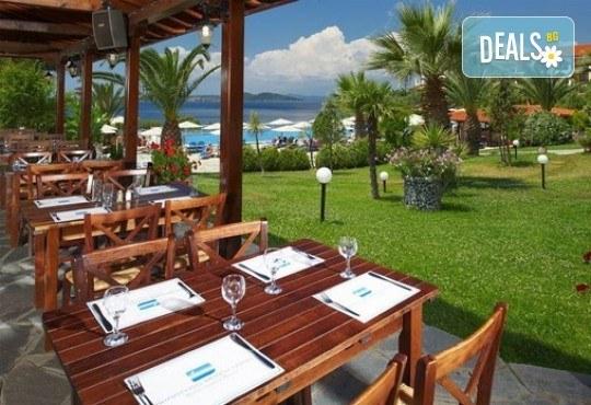 Слънце, узо и море с лятна почивка в Akrathos Beach Hotel 3*+ Халкидики, Гърция! 3/4/5/ нощувки на база All inclusive! - Снимка 8