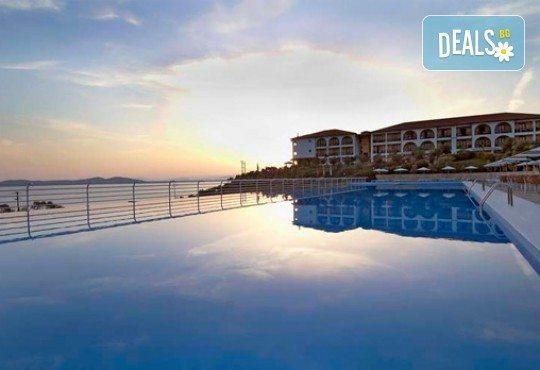 Слънце, узо и море с лятна почивка в Akrathos Beach Hotel 3*+ Халкидики, Гърция! 3/4/5/ нощувки на база All inclusive! - Снимка 9