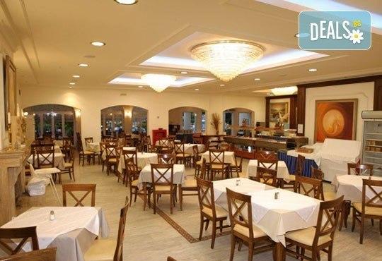 В разгара на лятото почивайте в Chrousso Village Hotel 4*, Касандра, Гърция! 5 нощувки на база All Inclusive, безплатно за дете до 13г.! - Снимка 8