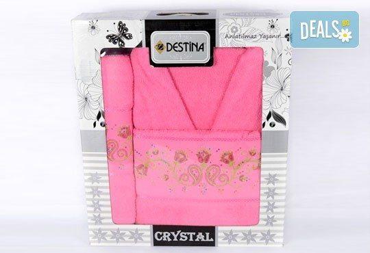 Луксозни халати Дестина на промо цена! Луксозен халат и два броя кърпи с размери 50/90 и 80/150 в комплект от SPALNOBELIO.BG! - Снимка 3