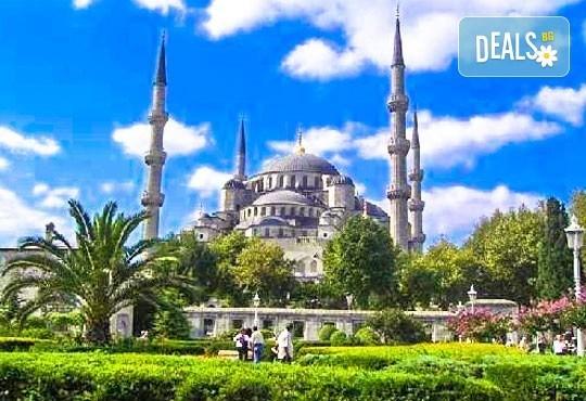 Потвърдена екскурзия до Истанбул за Фестивала на лалето! 3 нощувки със закуски в хотел 3*, транспорт и екскурзовод! - Снимка 2