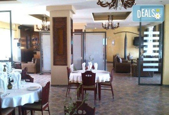 Майски празници в Гърция! 3 нощувки със закуски и вечери в Острия 3*, транспорт и водач от Молина Травел! - Снимка 8