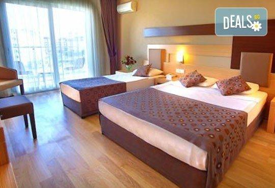Почивка със самолет в Анталия! 7 нощувки, All Inclusive в Primasol Telatiye Resort Hotel 5*, двупосочен билет, летищни такси и трансфери - Снимка 3