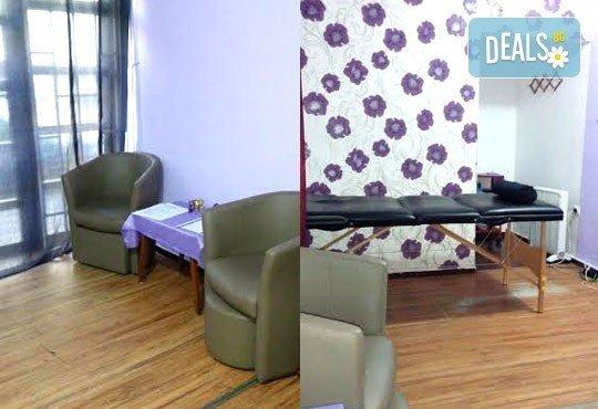 Стройна фигура! Антицелулитен масаж с вендузи, лимфен дренаж, третиране на кожата с антицелулитни масла от студио Be Happy! - Снимка 3