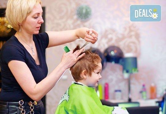 Прическа за най-малките! Детско подстригване, подсушаване и оформяне на детска прическа в салон Солей - стилист Силвия! - Снимка 1