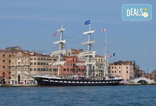 На море в Албания през май или юни! 7 нощувки със закуски и вечери в Hotel Dollari 3* или Hotel Elba 4* в Дуръс, транспорт! - Снимка 3